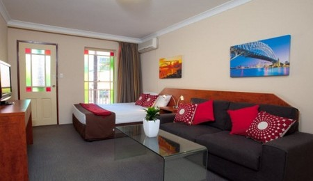 Central Railway Hotel - Accommodation Fremantle