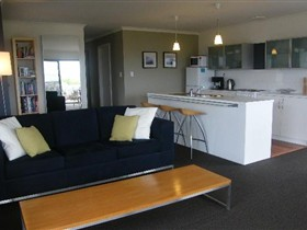 Coorong Waterfront Retreat