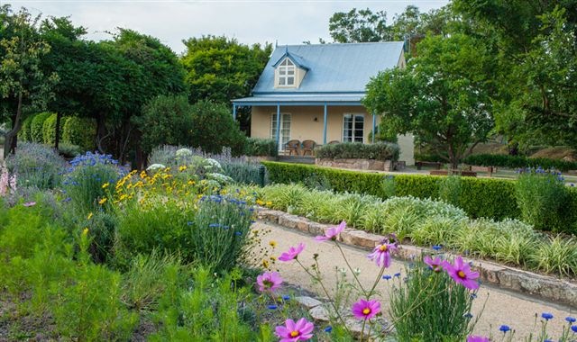 Vineyard Cottages and Cafe - Accommodation Fremantle