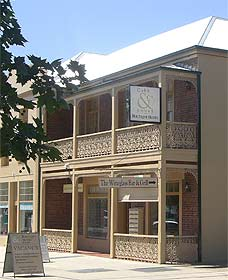 Cobb  Co Court Boutique Hotel - Accommodation Fremantle