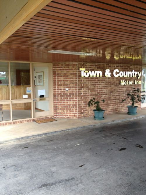 Town amp Country Motor Inn Forbes - Accommodation Fremantle