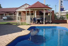 Roma Mid Town Motor Inn - Accommodation Fremantle