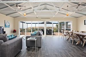 Coral Sands Luxury Beach House - Accommodation Fremantle