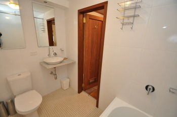 Camperdown 21 Brigs Furnished Apartment - Accommodation Fremantle