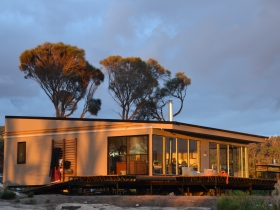 Sawyers Bay Shacks - Accommodation Fremantle