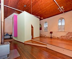 River Flow Yoga & Accommodation - Accommodation Fremantle