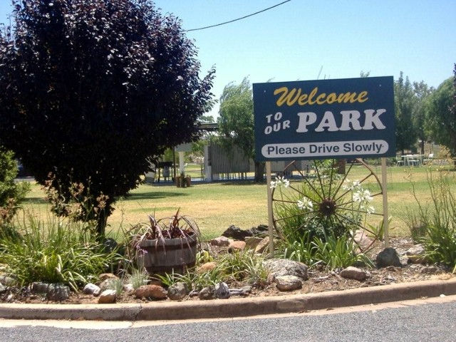Country Club Caravan Park - Accommodation Fremantle