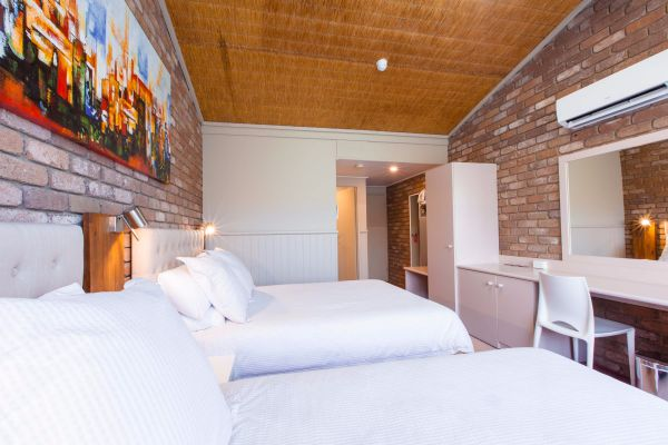 Farnham Court Motel - Accommodation Fremantle