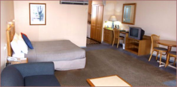 Federation Motor Inn Young - Accommodation Fremantle