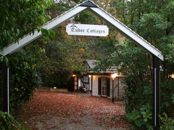 Tudor Cottages Mount Dandenong - Accommodation Fremantle