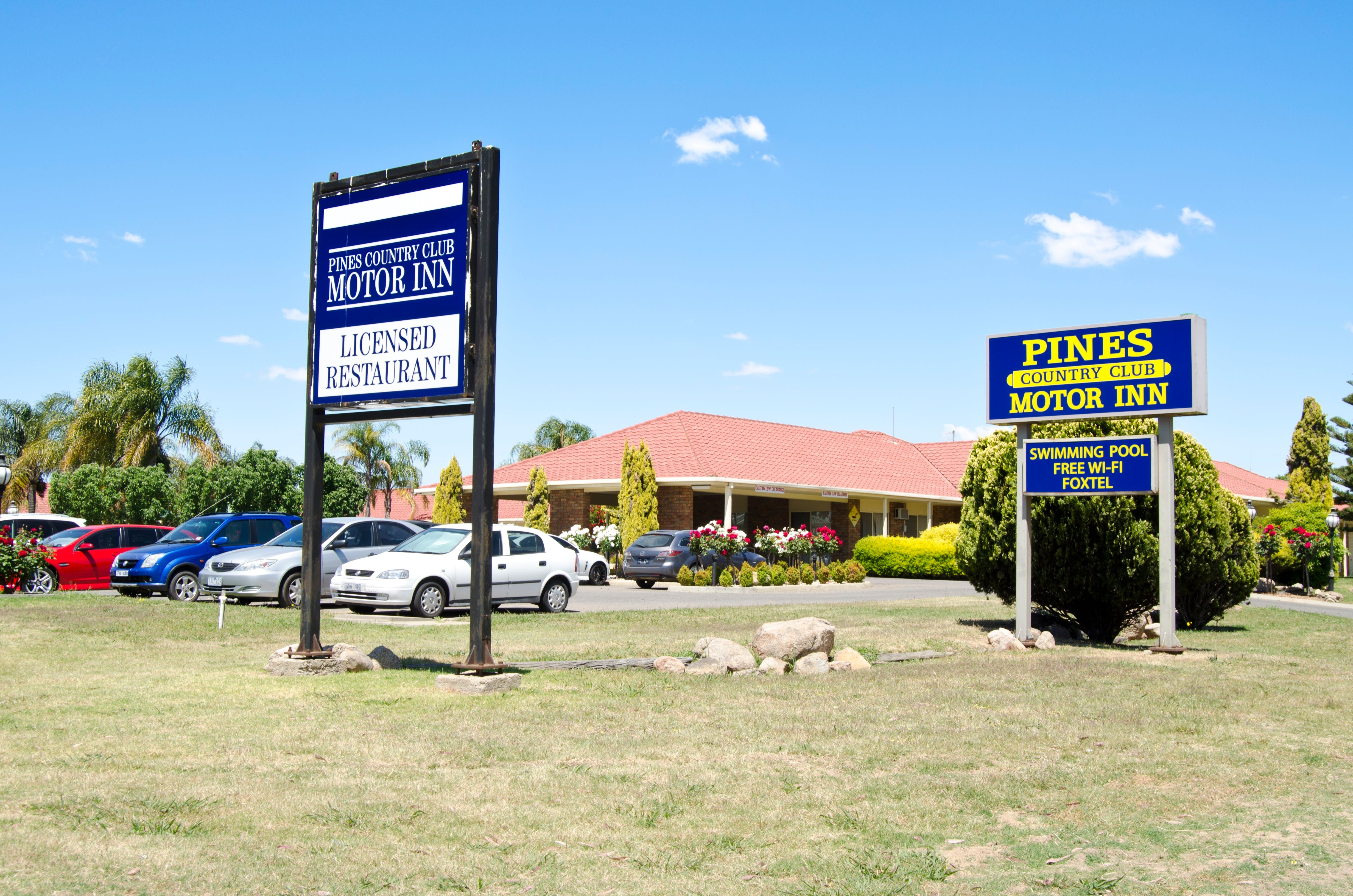 Pines Country Club Motor Inn - Accommodation Fremantle