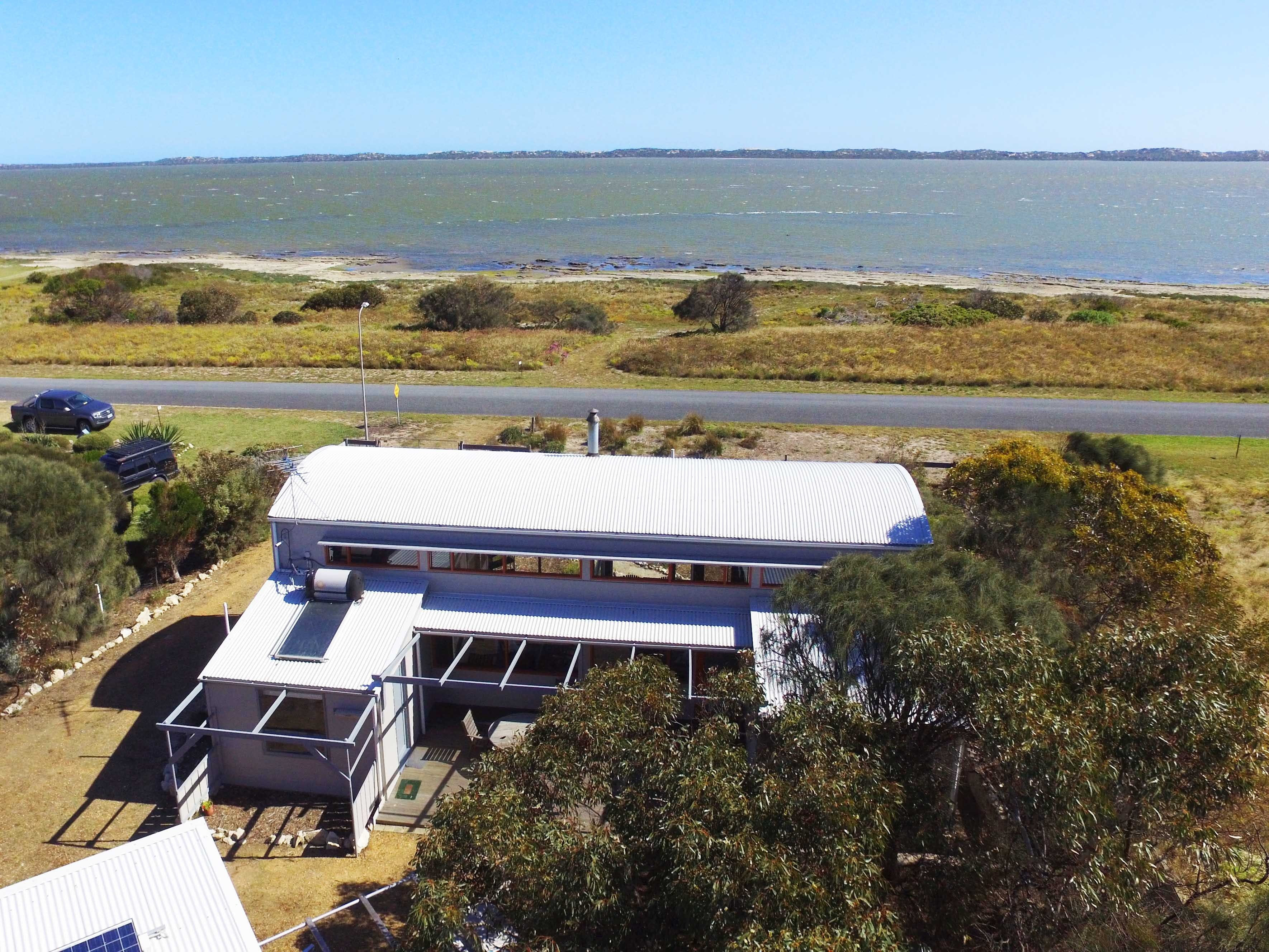 Coorong Aurora - Breathtaking Waterfront Escape - Accommodation Fremantle