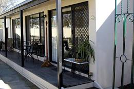 Courtside Cottage Bed and Breakfast - Accommodation Fremantle
