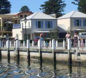 Dockside Waterfront Indulgence - Accommodation Fremantle
