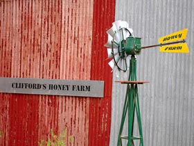 Clifford's Honey Farm - Accommodation Fremantle
