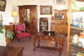 New Norfolk Antiques - Accommodation Fremantle