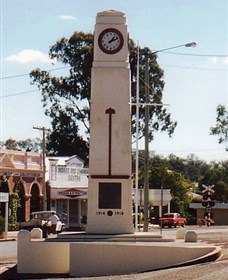 Goomeri War Memorial Clock - Accommodation Fremantle