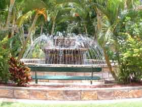 Bauer and Wiles Memorial Fountain - Accommodation Fremantle