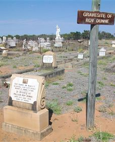 Blackall Cemetery - Accommodation Fremantle