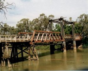 Swan Hill - Murray River Road Bridge - Accommodation Fremantle