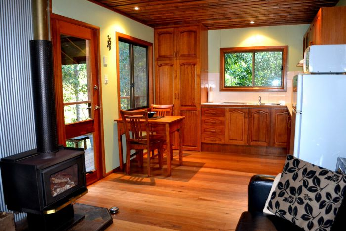 Waterfall Hideout-Rainforest Cabin for Couples - Accommodation Fremantle
