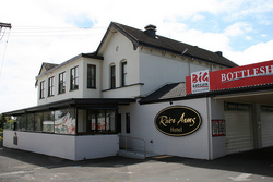 River Arms Hotel - Accommodation Fremantle