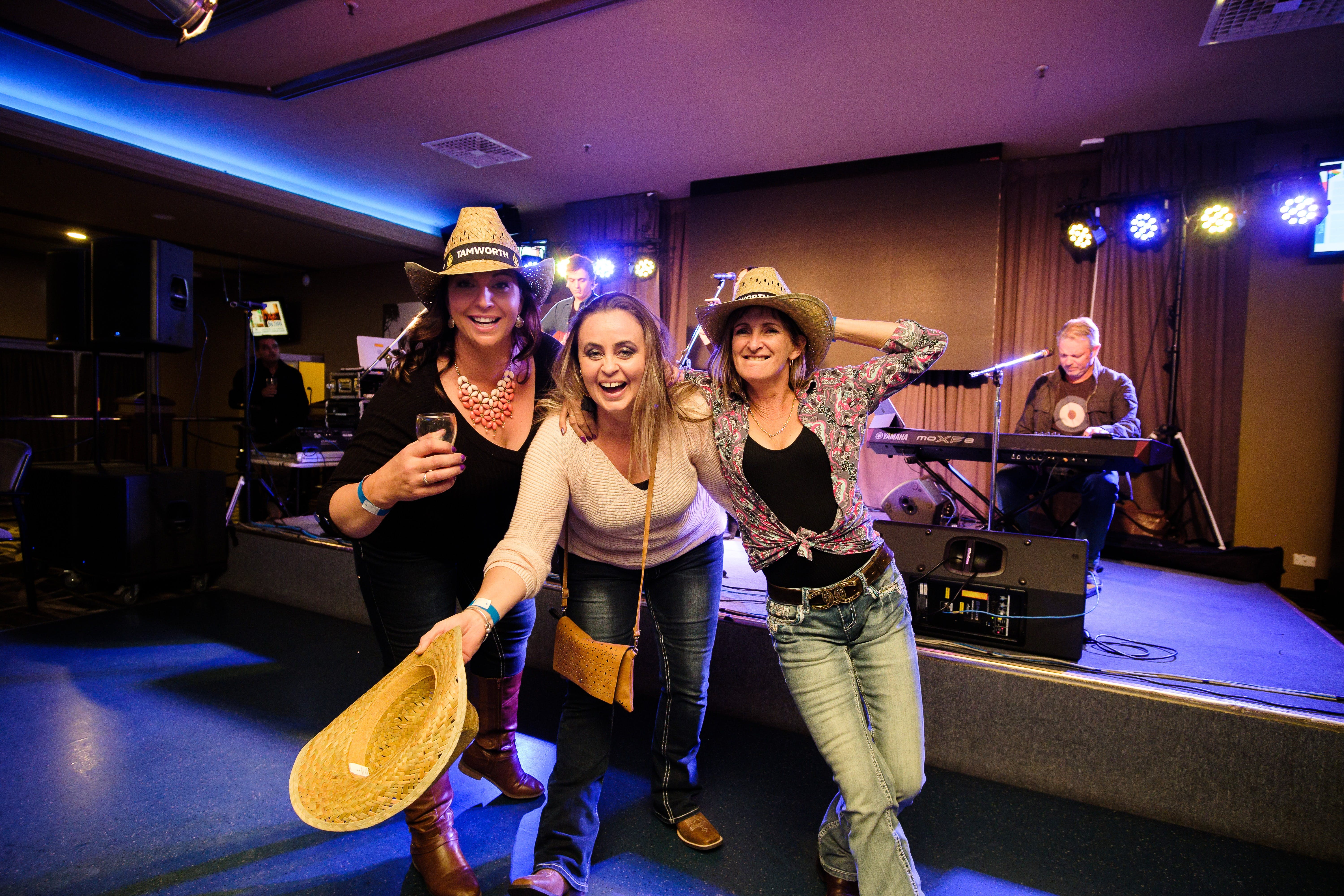 Hats Off to Country Music Festival - Accommodation Fremantle