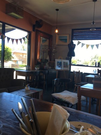 Two Birds Gallery Cafe - Accommodation Fremantle