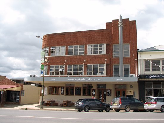 The Alpine Hotel Restaurant Cooma - Accommodation Fremantle