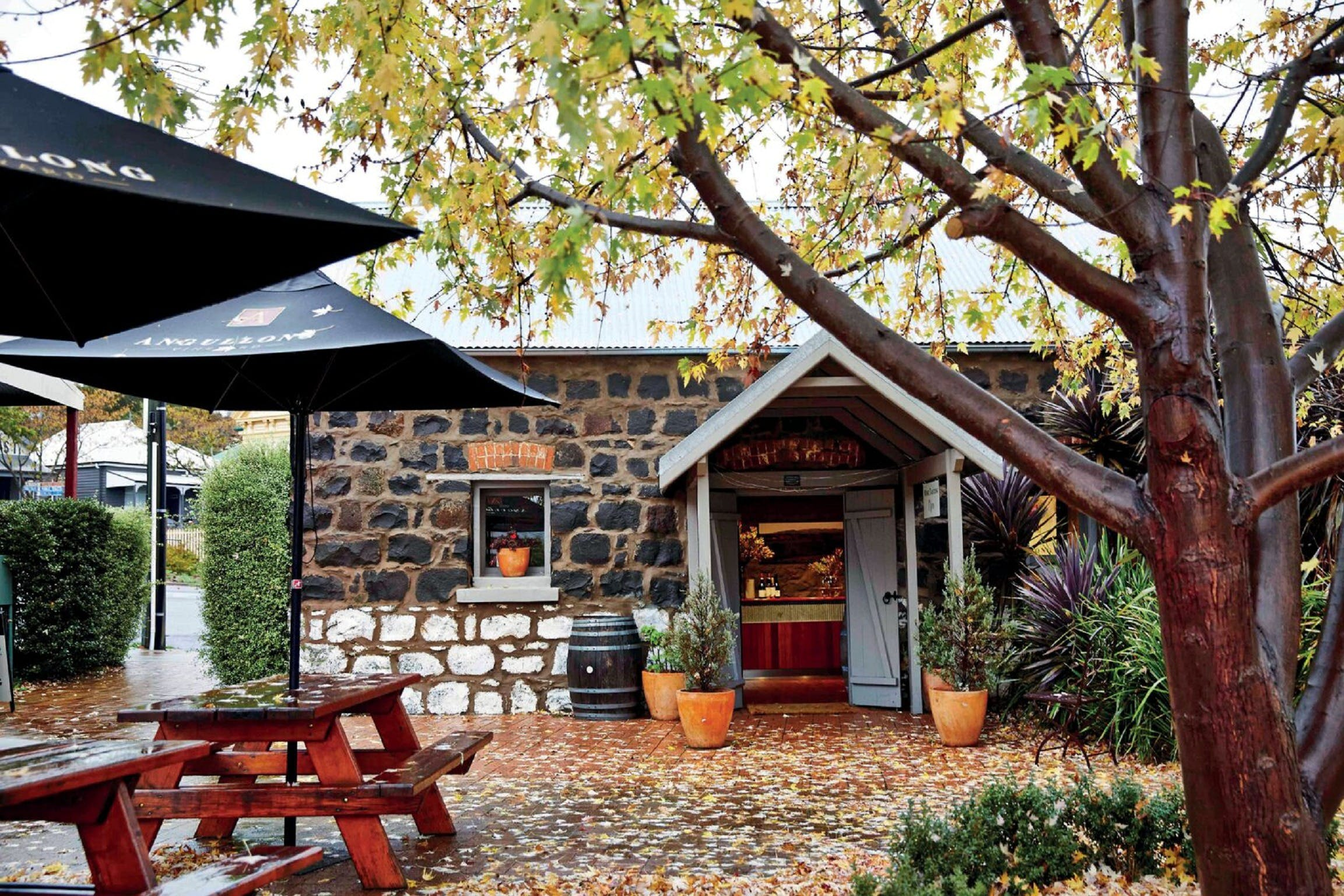 Angullong Cellar Door - Accommodation Fremantle