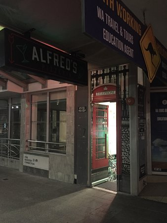 Alfred's Pizzeria  Small Bar