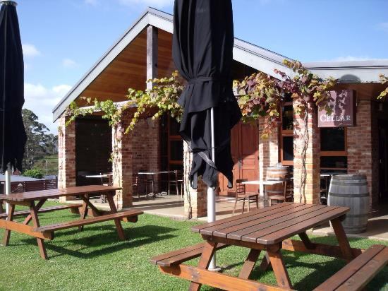 Singlefile Winery Restaurant - Accommodation Fremantle
