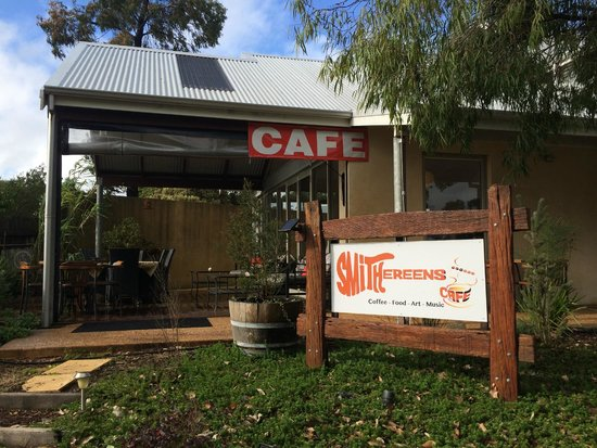 Smithereens Cafe - Accommodation Fremantle