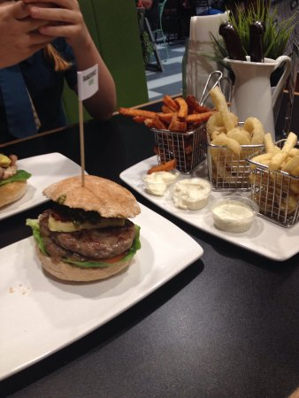 Burger Urge - Accommodation Fremantle