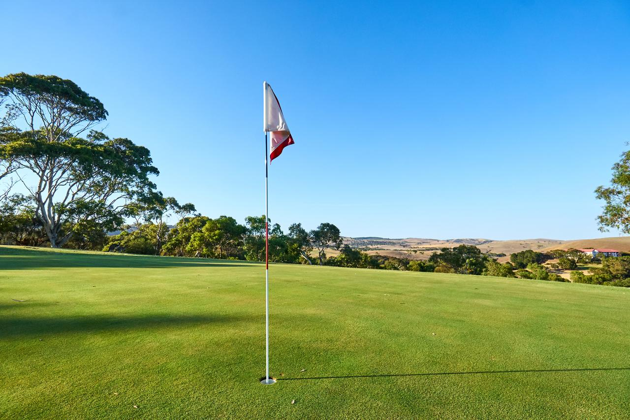 New Terry Hotel  Golf Resort - Accommodation Fremantle