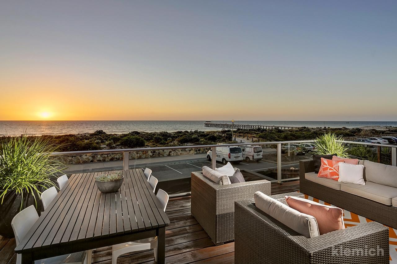 The Beach House  Grange - Accommodation Fremantle