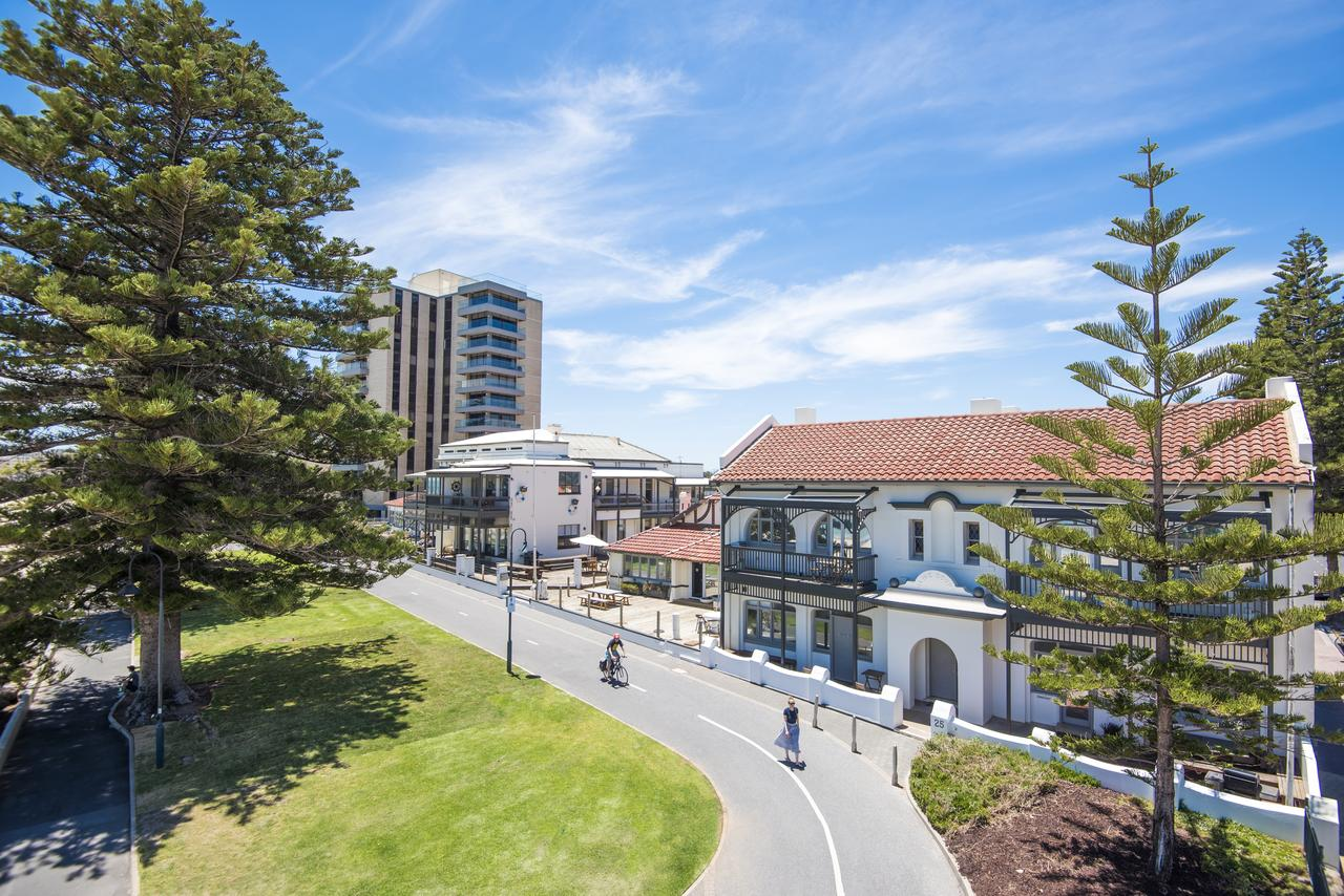 Seawall Apartments - Accommodation Fremantle