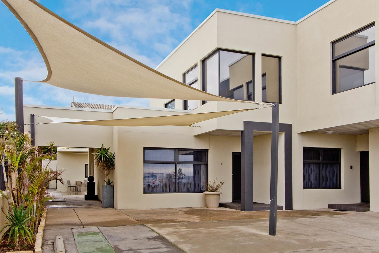 Atlantic West Beach Apartments - Accommodation Fremantle