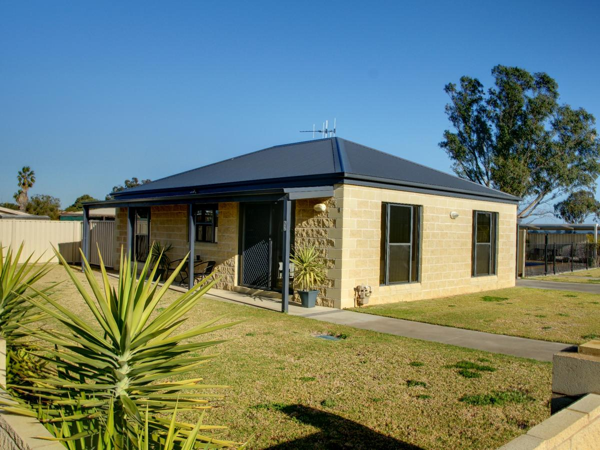 DBJ Holiday Units - Accommodation Fremantle