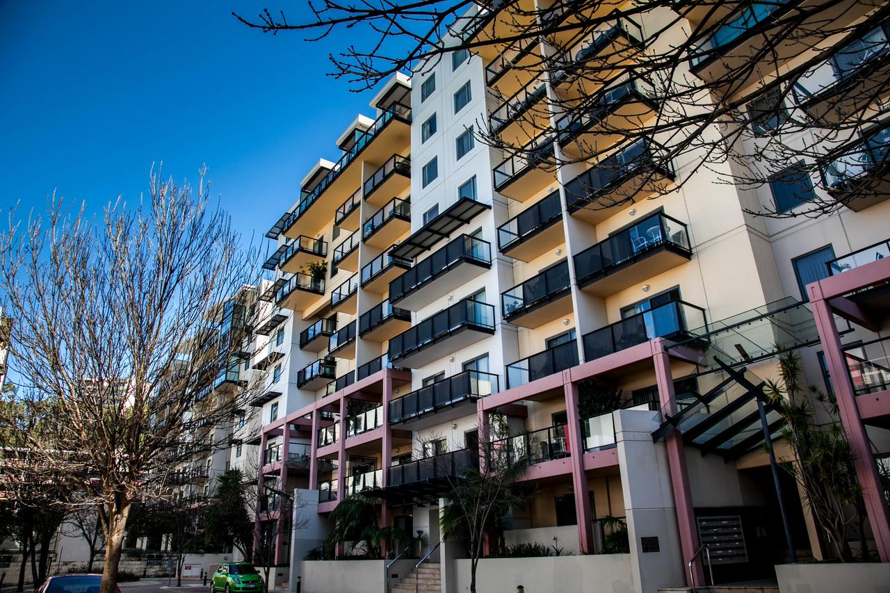 Apartments on Mounts Bay - Accommodation Fremantle