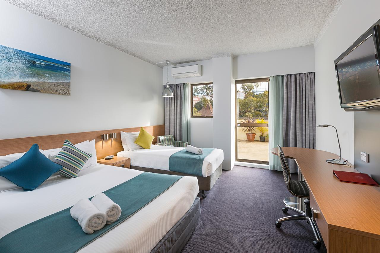 Metro Hotel Miranda - Accommodation Fremantle