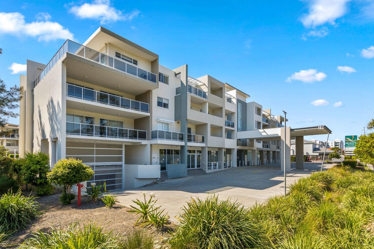 Quality Suites Pioneer Sands - Accommodation Fremantle