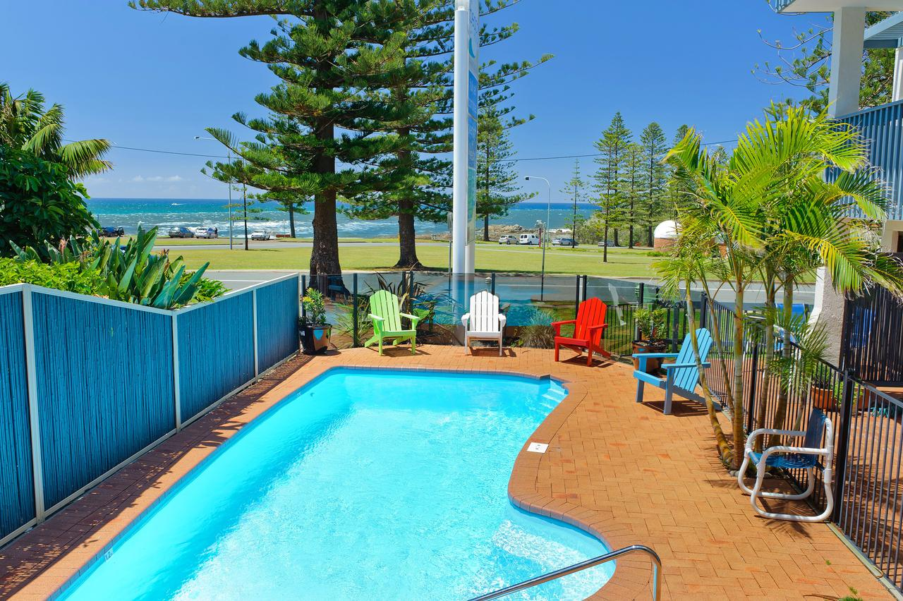Beach House Holiday Apartments - Accommodation Fremantle