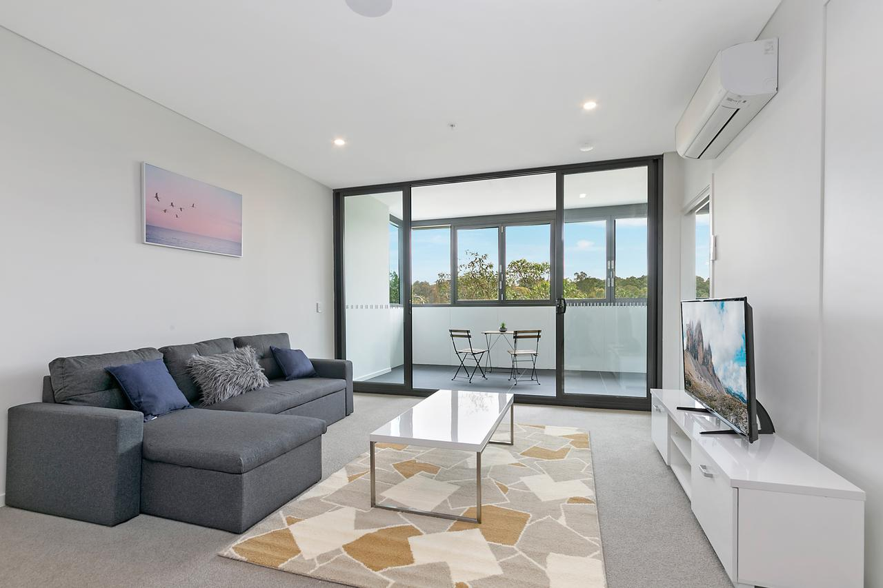 Stylish and Neat two bed apartment in Wentworth Point - Accommodation Fremantle
