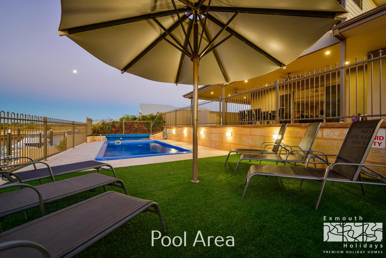 7 Kestrel Place - PRIVATE JETTY  POOL - Accommodation Fremantle