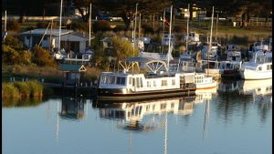 Swamp Fox luxury 2BR Dutch Barge - Accommodation Fremantle