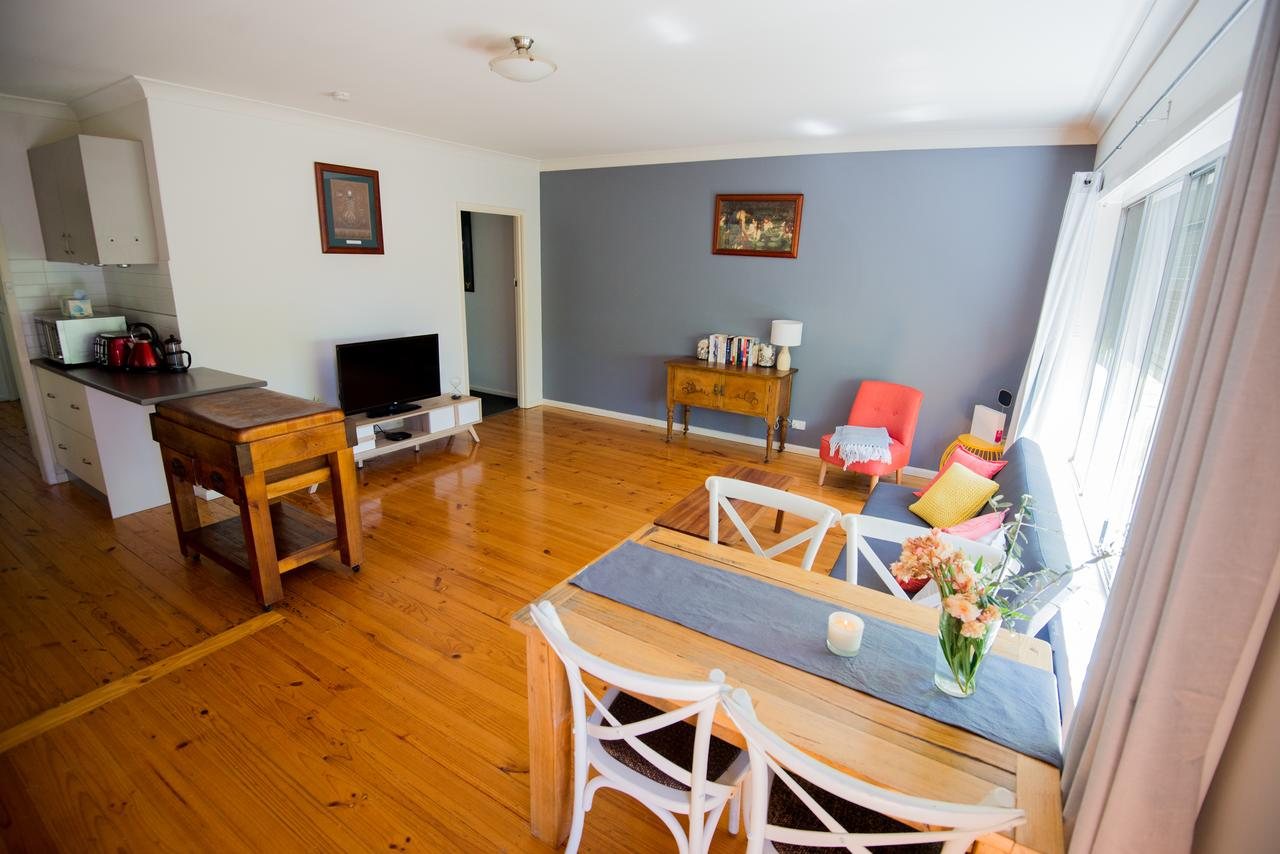 Flora Hill Creek Views - Accommodation Fremantle