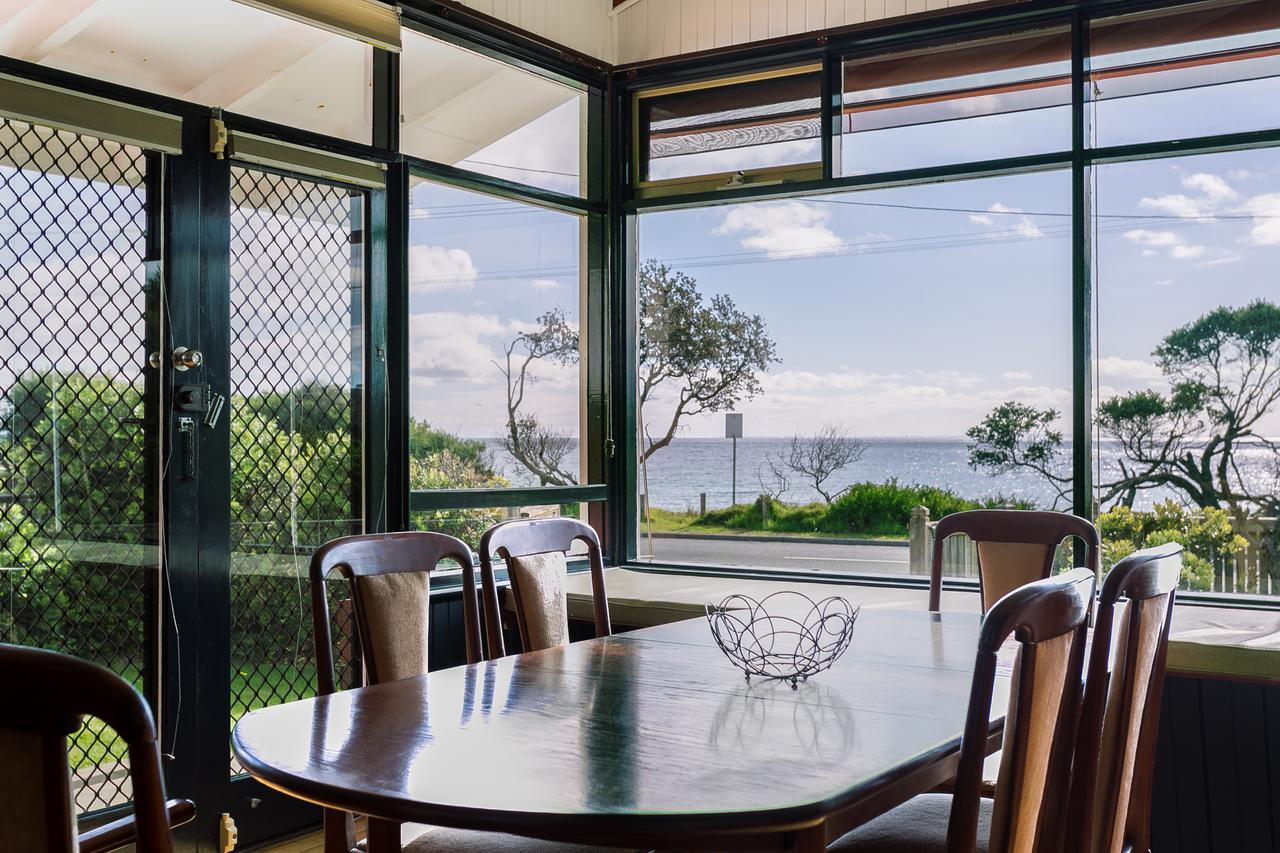Beach Front Beauty - Ocean front views - Accommodation Fremantle