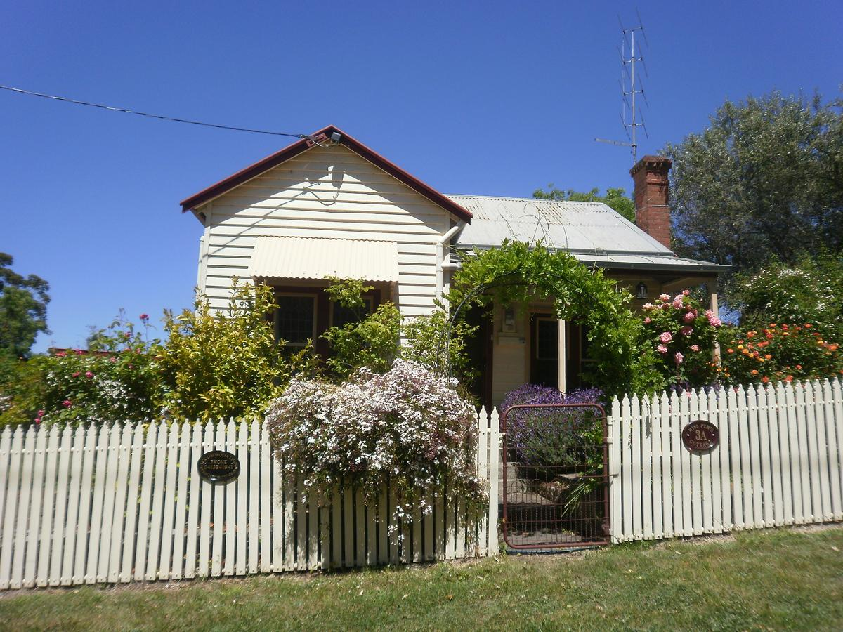 Miss Pym's Cottage - Accommodation Fremantle