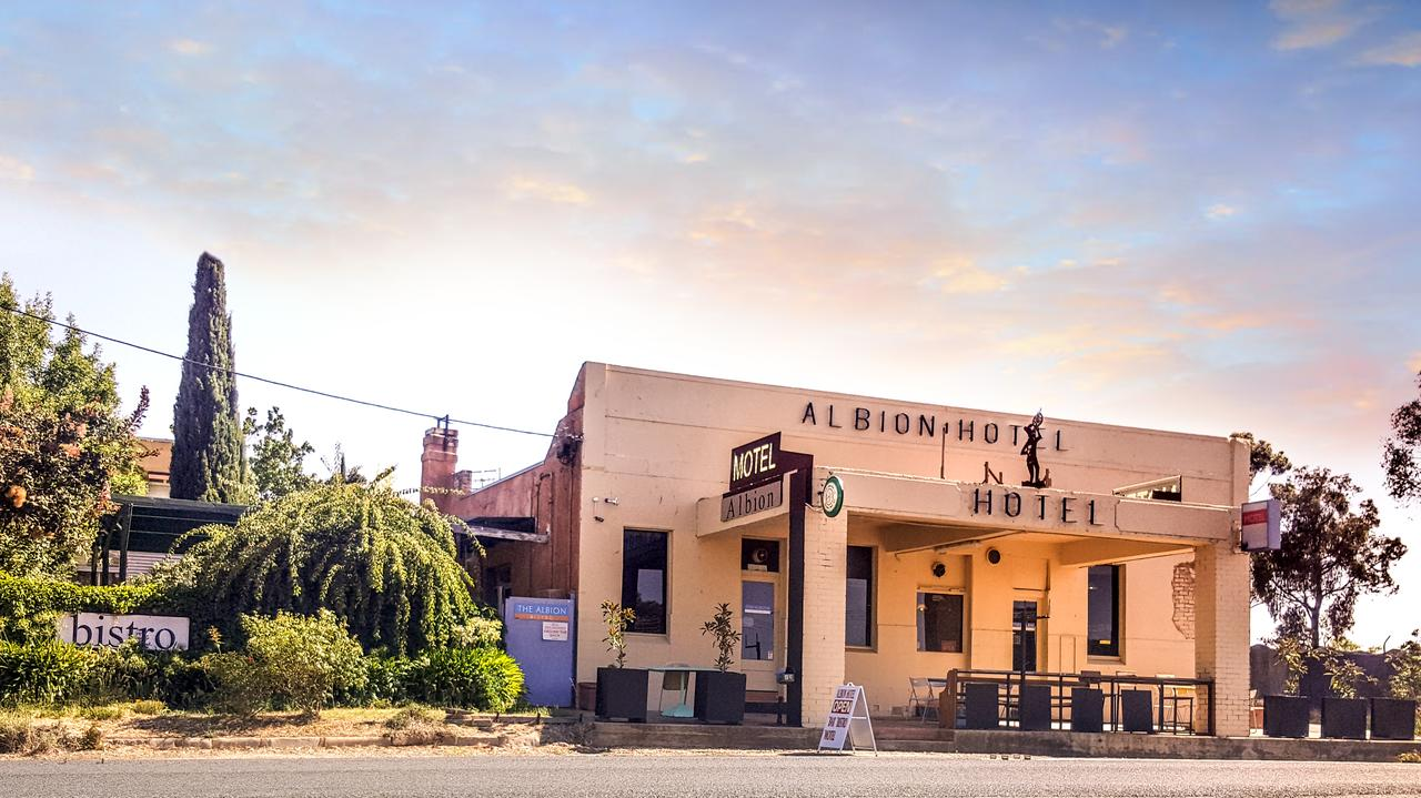 Albion Hotel and Motel Castlemaine - Accommodation Fremantle